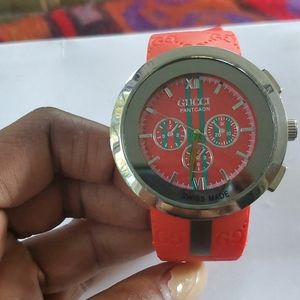 Red gucci watch